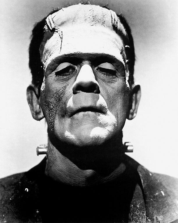Boris Karloff en monstre de Frankenstein pour le film La mariée de Frankenstein, 1935