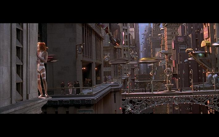 Milla Jovovich dans <em>Le Cinquième élément</em>, Luc Besson, 1997