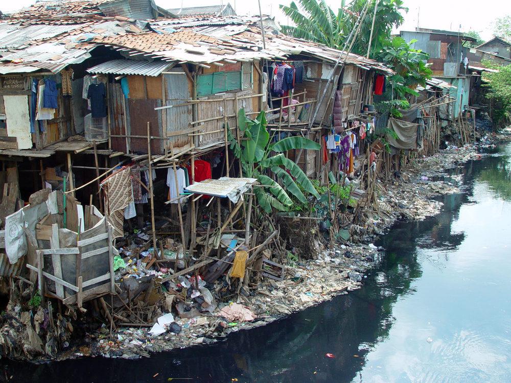 Alt Un bidonville à Jakarta © Jonathan McIntosh