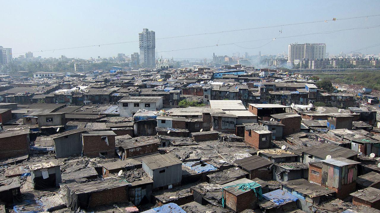 Le bidonville Dharavi à Mumbai compte environ 800 000 habitants ©YGLvoices géographie cinquième