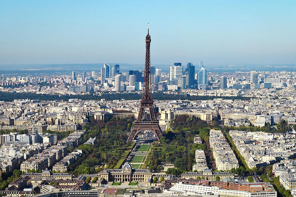 centre-ville de Paris Tour Eiffel et Champ-de- Mars