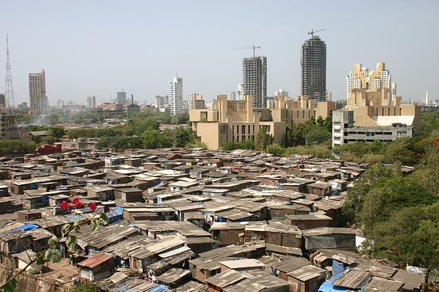 Le plus grand slum d'Asie: le bidonville de Dharavi, à Mumbai, en Inde ©Sthitaprajna Jena, juin 2005