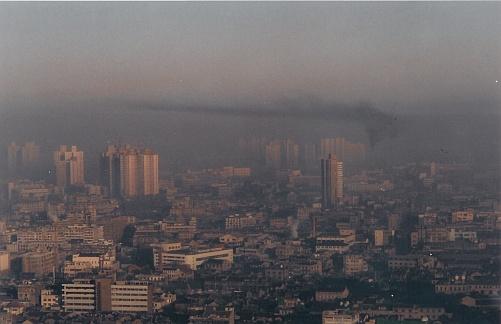 À Shanghai, en Chine, le smog est quotidien. ©DL5MDA
