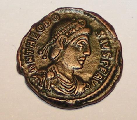 Monnaie à l'effigie de Théodose I, empereur romain de 379 à 395 ©Michail Jungierek-histoire-6e