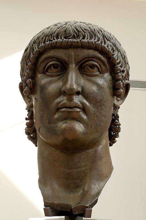 L'empereur Constantin, tête colossale en bronze, IVe siècle, Musée du Capitole, Rome.©Jastrow-histoire-6e