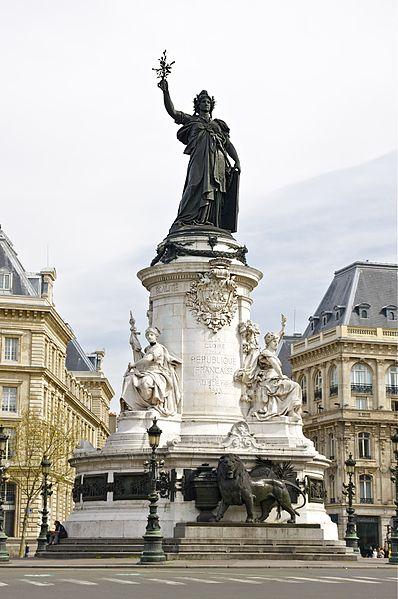 EMC République Démocratie Monument Paris