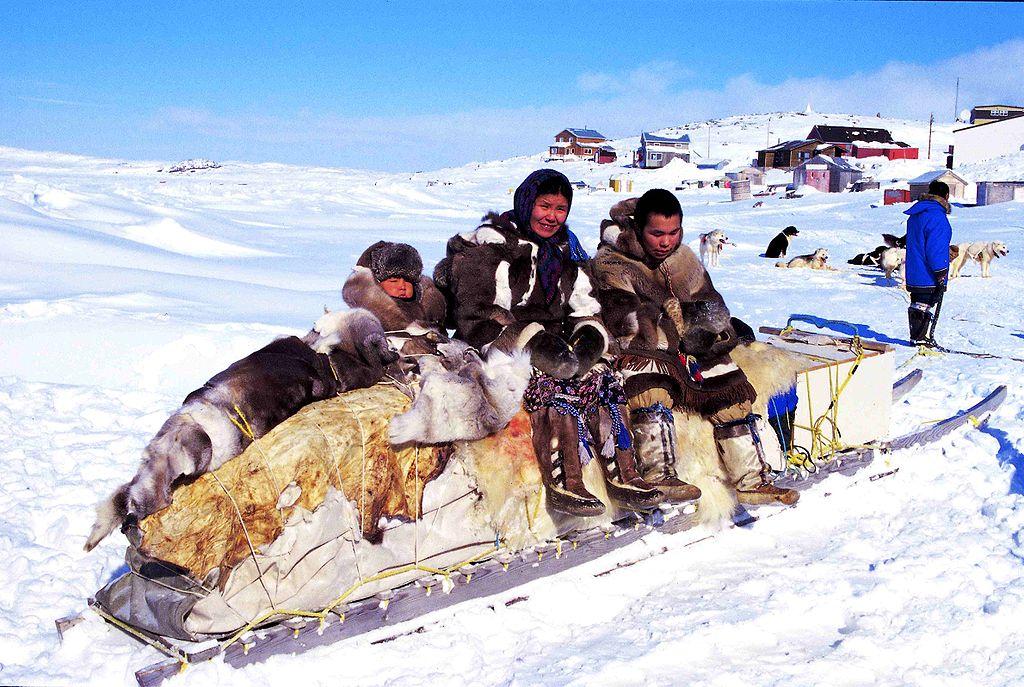 Des Inuits au Groenland